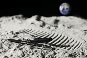 spacepen_moon